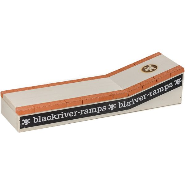 Blackriver Finger Ramp - Brick Curb